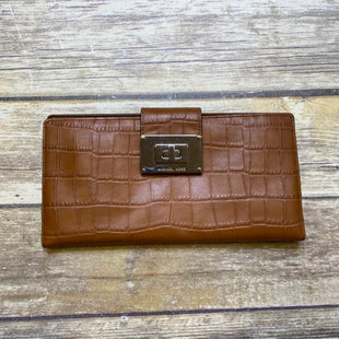 Primary Photo - BRAND: MICHAEL KORS STYLE: CLUTCH COLOR: BROWN SKU: 176-176110-30994