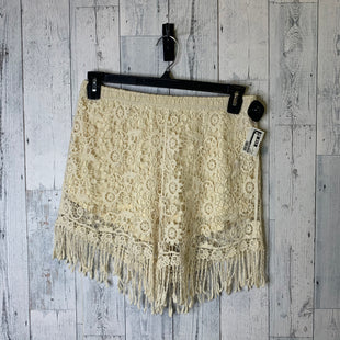 Primary Photo - BRAND: BLU PEPPER STYLE: SHORTS COLOR: CREAM SIZE: 12 SKU: 176-176140-1777