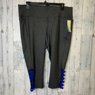Primary Photo - BRAND: LIVI ACTIVE STYLE: ATHLETIC CAPRIS COLOR: GREY SIZE: 2X OTHER INFO: 22/24 SKU: 176-176124-26200