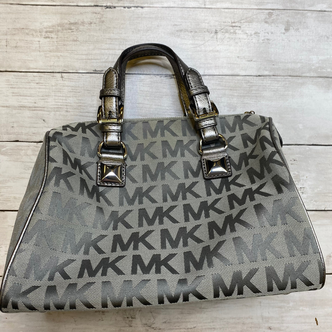 Primary Photo - BRAND: MICHAEL KORS <BR>STYLE: HANDBAG DESIGNER <BR>COLOR: GREY <BR>SIZE: MEDIUM <BR>OTHER INFO: AS IS <BR>SKU: 176-176146-378