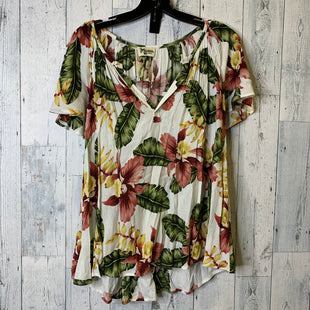 Primary Photo - BRAND:   CMC STYLE: TOP SHORT SLEEVE COLOR: CREAM SIZE: S OTHER INFO: SHOW ME YOUR MUMU - SKU: 176-176114-38451