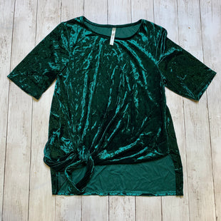 Primary Photo - BRAND:    CLOTHES MENTOR STYLE: TOP SHORT SLEEVE COLOR: GREEN SIZE: L OTHER INFO: FORGOTTEN GRACE - SKU: 176-176114-33981