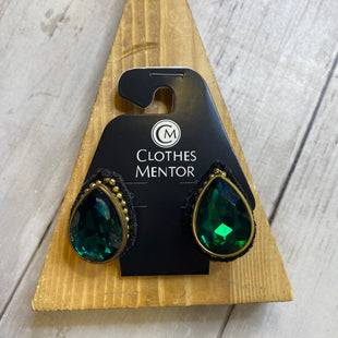Primary Photo - BRAND:    CLOTHES MENTOR STYLE: EARRINGS COLOR: GREEN SKU: 176-176124-22612