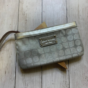 Primary Photo - BRAND: KATE SPADE STYLE: WRISTLET COLOR: GREY SKU: 176-176124-17896