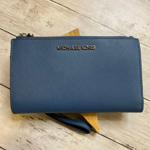 Primary Photo - BRAND: MICHAEL KORS STYLE: WRISTLET COLOR: BLUE SKU: 176-176114-38348