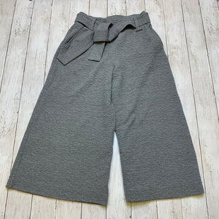 Primary Photo - BRAND:  CMA STYLE: ATHLETIC CAPRIS COLOR: GREY SIZE: XS OTHER INFO: SWEATY BETTY - SKU: 176-17684-45944