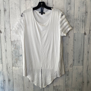Primary Photo - BRAND: INTERNATIONAL CONCEPTS STYLE: TOP SHORT SLEEVE COLOR: WHITE SIZE: L SKU: 176-176124-24835