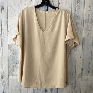 Primary Photo - BRAND: ENTRO STYLE: TOP SHORT SLEEVE COLOR: CREAM SIZE: M SKU: 176-176121-25633
