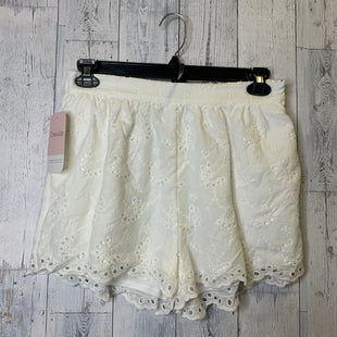 Primary Photo - BRAND:    CLOTHES MENTOR STYLE: SHORTS COLOR: WHITE SIZE: M OTHER INFO: HUDSON GREY - SKU: 176-17684-44980