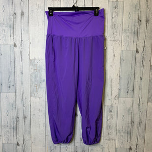 Primary Photo - BRAND: LULULEMON STYLE: ATHLETIC PANTS COLOR: PURPLE SIZE: 10 SKU: 176-176124-24403