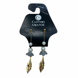 Primary Photo - BRAND:    CLOTHES MENTOR STYLE: EARRINGS COLOR: GOLD SKU: 176-176140-2455
