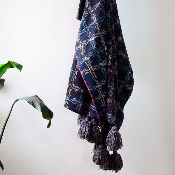Organic Cotton Mesh Print Throw