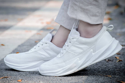Men's Stylish and Trendy White Solid Mesh Casual Sports Shoes