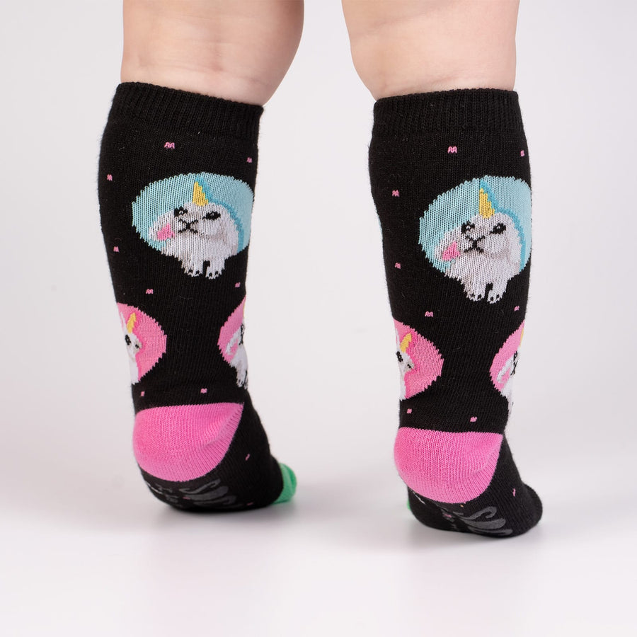 Sock it to me Toddler Knee: Hop To It