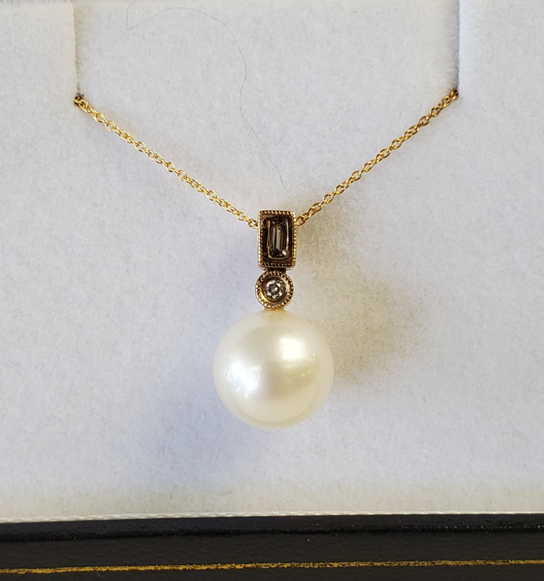 10k Yellow Gold Pearl and Diamond Necklace