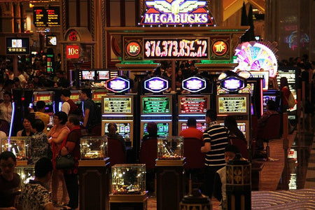 How Casinos Work: The Operations of a Major Casino