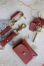 Load image into Gallery viewer, Orban & Sons Mahogany Brown Leather Carabiner Clip and Cotton Pouch