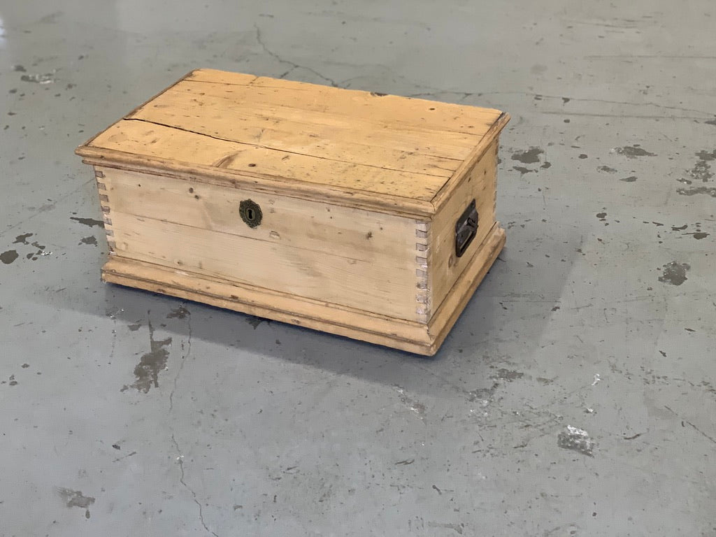 Wood chest with hinged lid, approx. 24' long