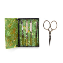 Load image into Gallery viewer, 1940s Marbleized Green Manicure Set
