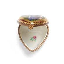 Load image into Gallery viewer, Limoges Heart-Shaped Porcelain Box