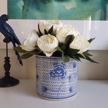 Load image into Gallery viewer, Blue and White Blossom Chain Planter