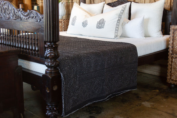 Onyx Filanan Embroidered Bed Cover