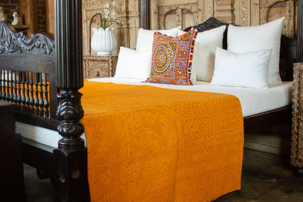 Santra Filanan Embroidered Bed Cover