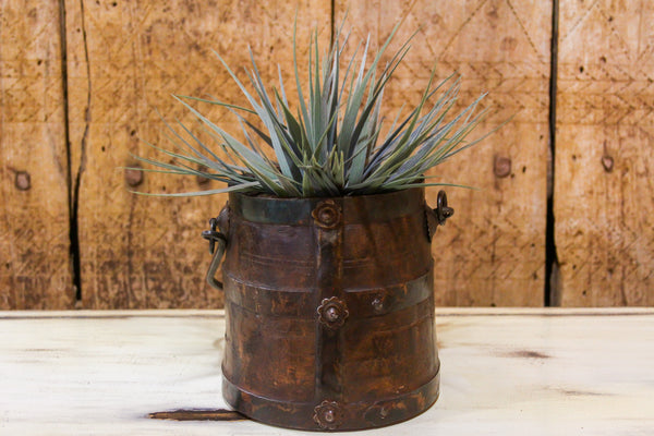 Rustic Dolchi Planter with Handle