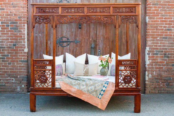 Picturesque Chinese Canopy Bed