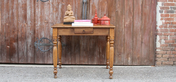Primitive Farmhouse Kitchen Table