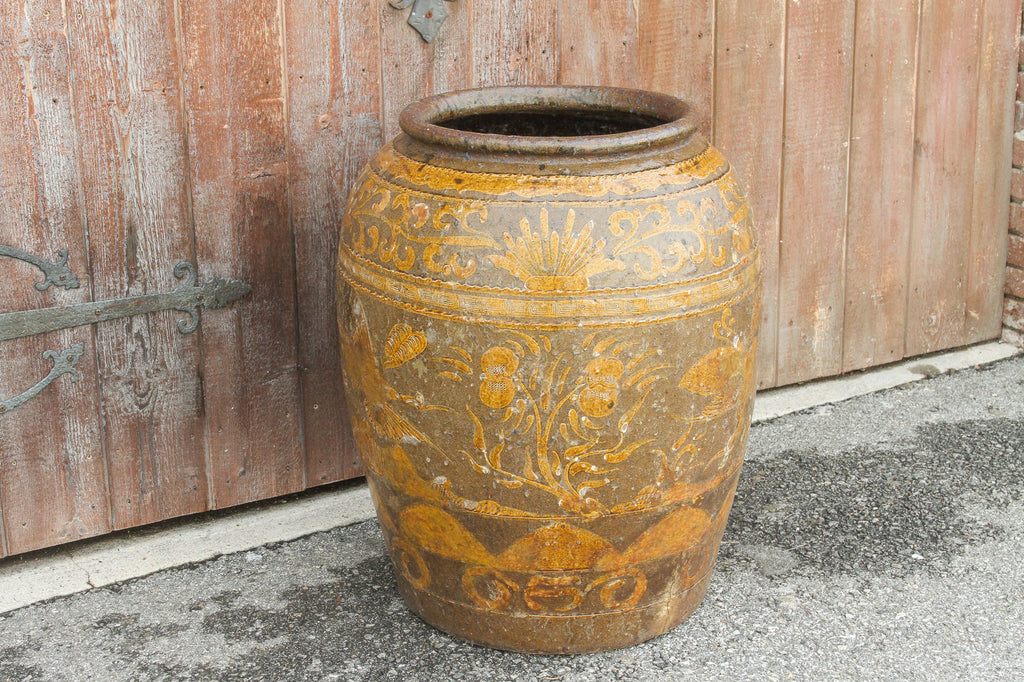 Grand 19th Century Qing Dynasty Vase