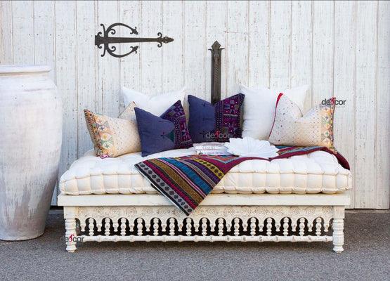 Rustic White Carved Lounge Daybed