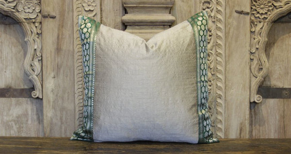 Small Daisy Gray Heritage Silk Pillow