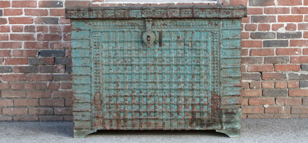 Antique Ironstrap Applique Blue Trunk