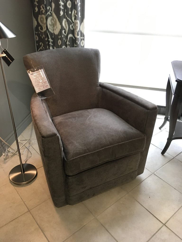 Delightful 1017 Swivel Chair In Flannel Smoke   As Shown On Display