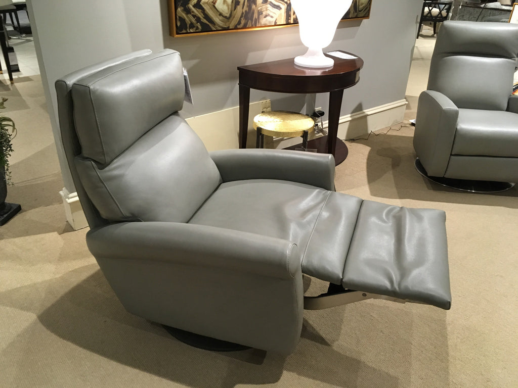 Adley Large Recliner In Fifth Avenue Ash Leather   As Shown   On Display