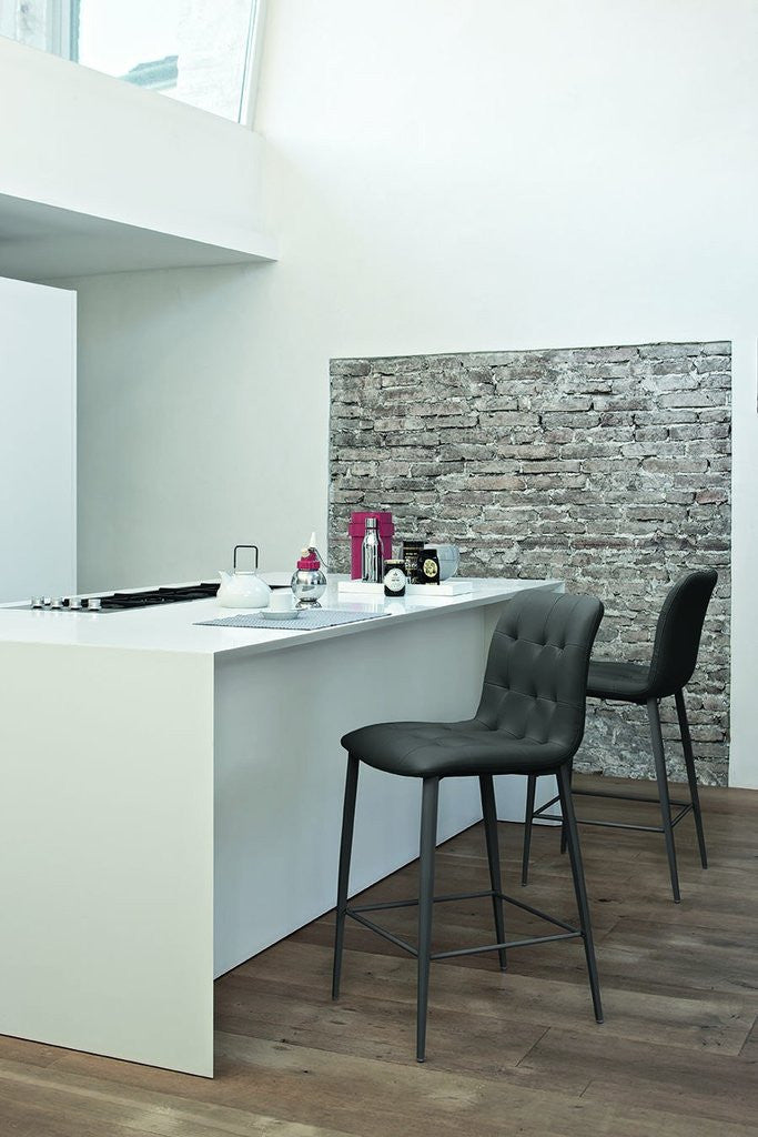 Kuga Counter Stool In Anthracite Eco Leather