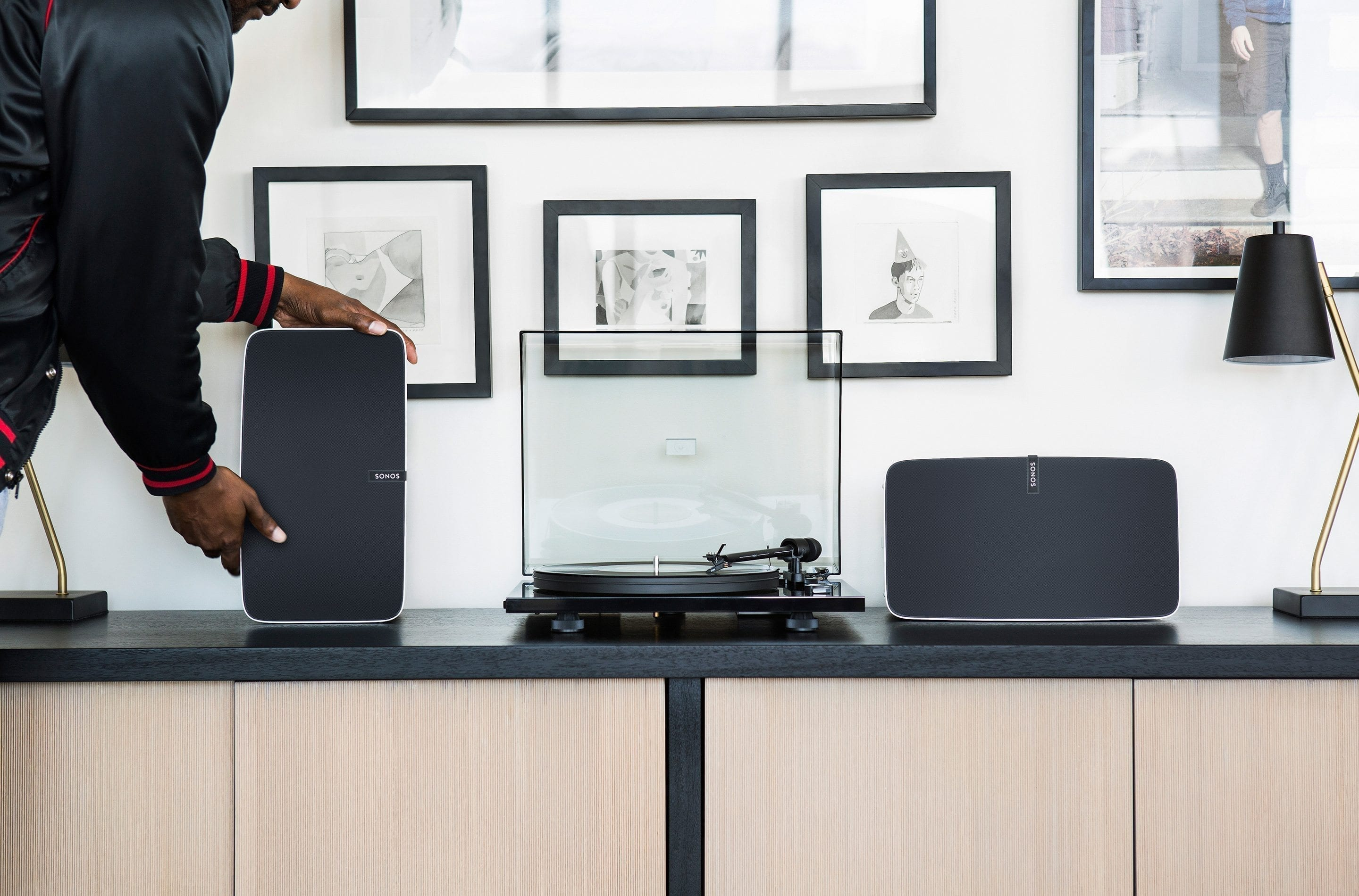 Sonos Play 5 with record player