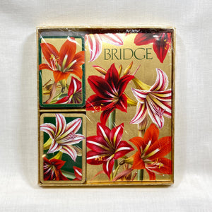 Bridge-Gift-Set-Amaryllis-2-decks-2-score-pads-16-oz-size-6.75x7.5.jpg
