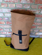 Laden Sie das Bild in den Galerie-Viewer, Caramac Roll top bag