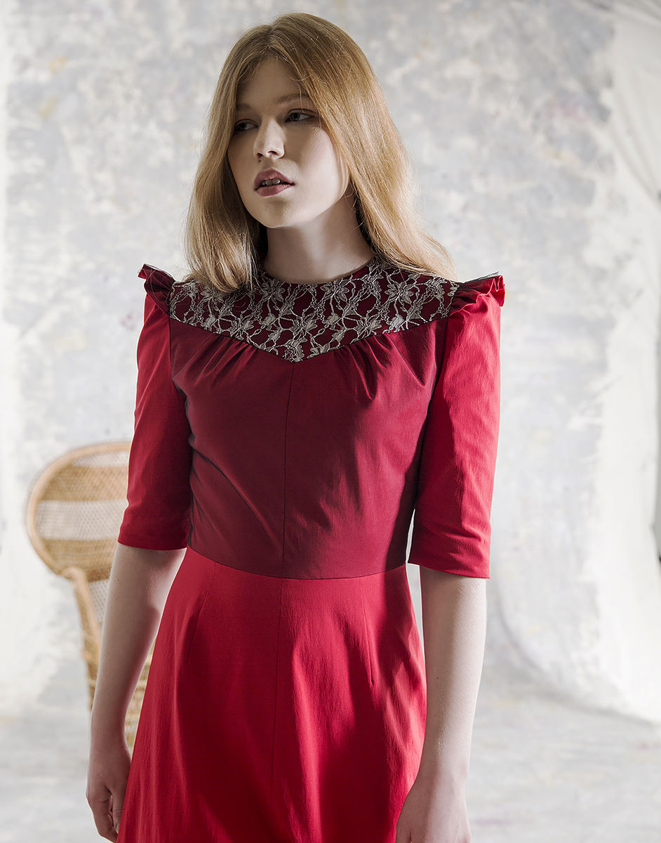 APRIL LACE RED DRESS