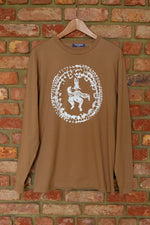"Laden Sie das Bild in den Galerie-Viewer, Camel ""Rabbit Lore"" Long Sleeve Tee"