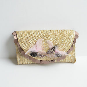 Feather Raffia Straw Clutch in Mocha