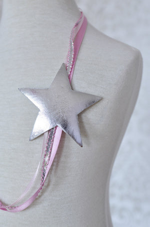 Falling Stars Necklace / Pink