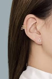 Astrid & Miyu Basic Crystal Armour Ear Cuff in Gold