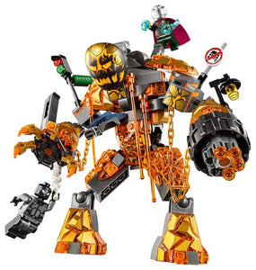 LEGO® Molten Man Battle 76128