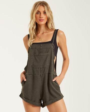 Wild Pursuit Short Overall