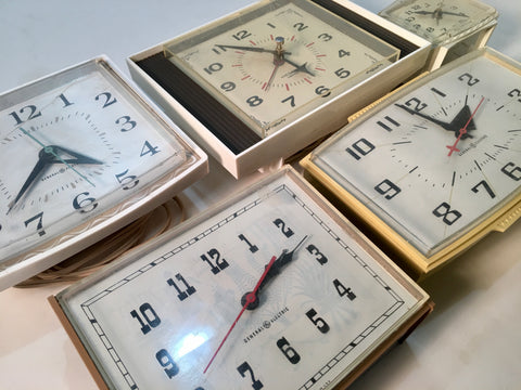 Vintage 1060s Clocks Different Kinds – Real Cool Things