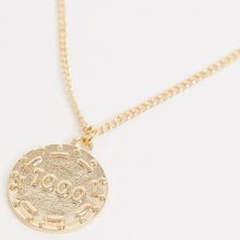 Load image into Gallery viewer, Gold Tone Poker Chip Chain