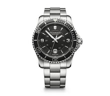 Load image into Gallery viewer, The Large Maverick with Black Face and Stainless Steel Bracelet
